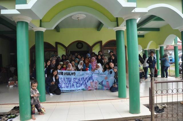 "Dokumentasi Bakti Sosial ""Tebar Mulyo"" 2015"